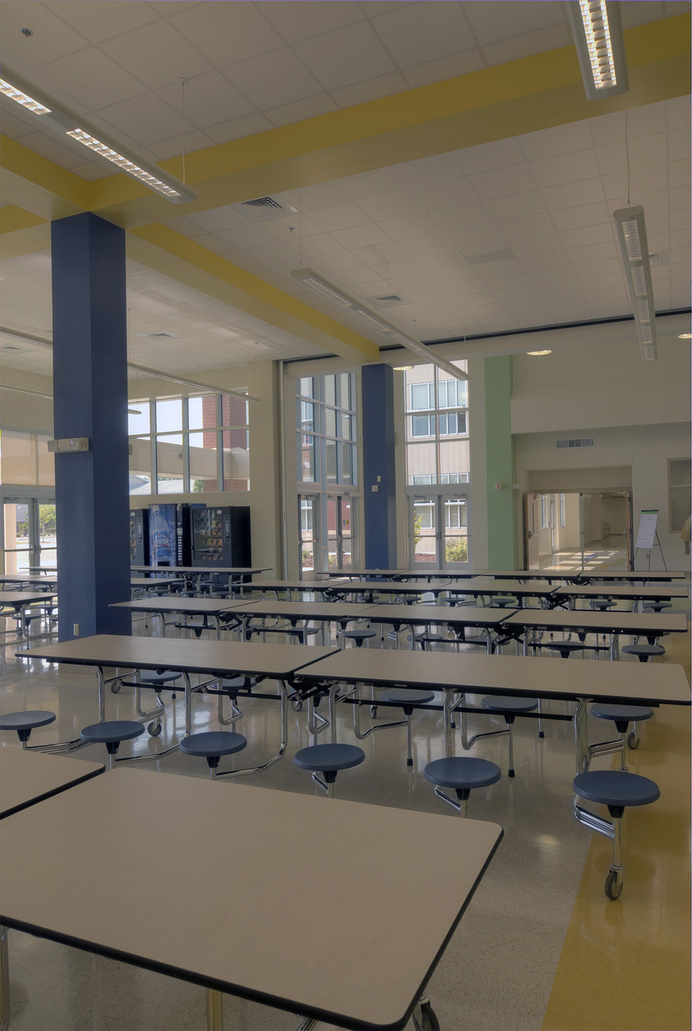 1029-cafeteria-02.jpg