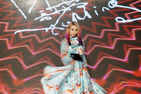 Qigang-guangzhou-fashion-week-wengie-3.png