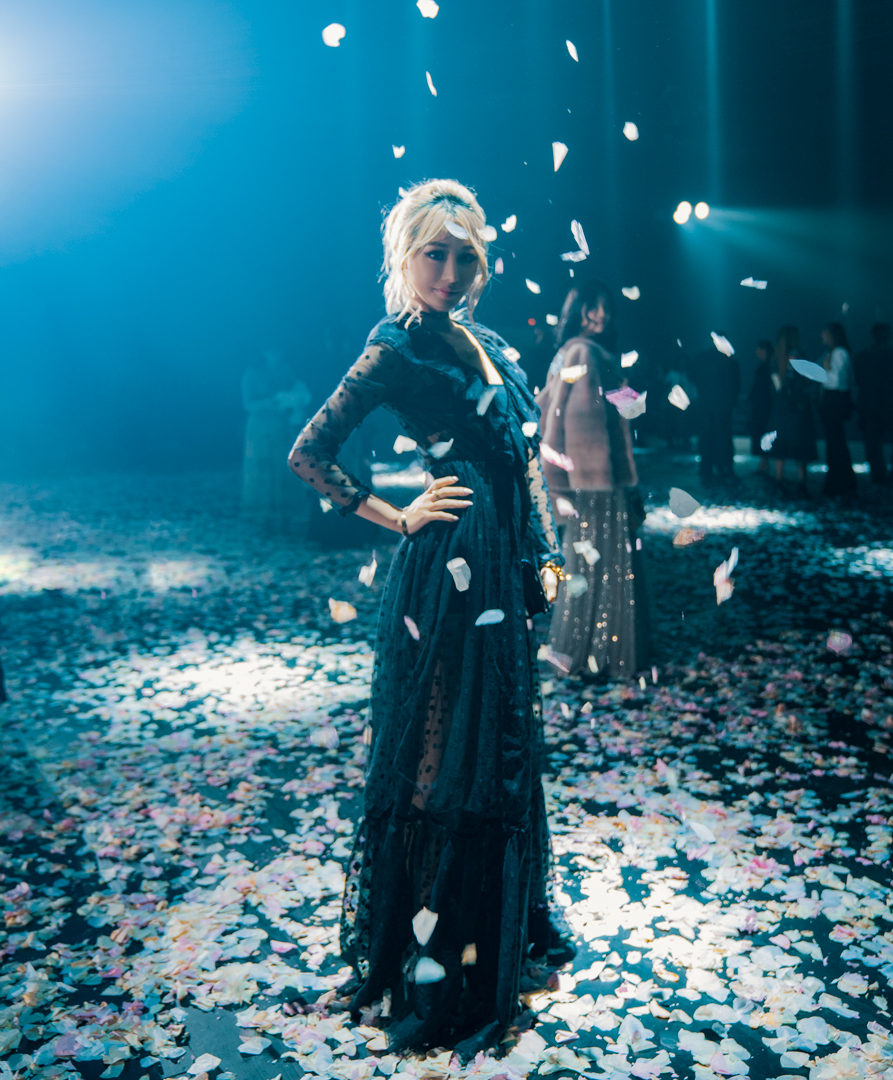 Wengie as the flower petal falls, one of the main features of the Dior show