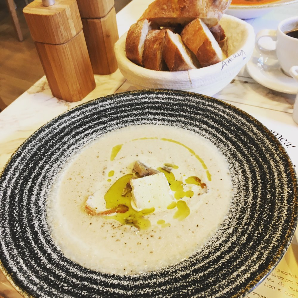 supa cremă de ciuperci cu brie
