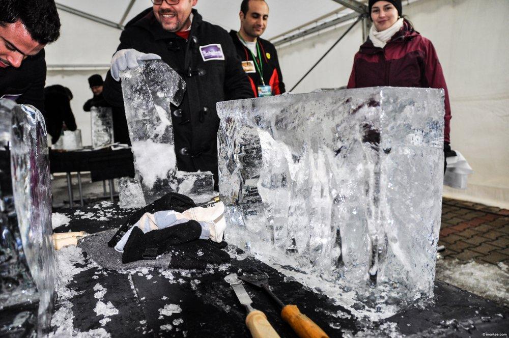 Eisskulpturen bauen.jpg