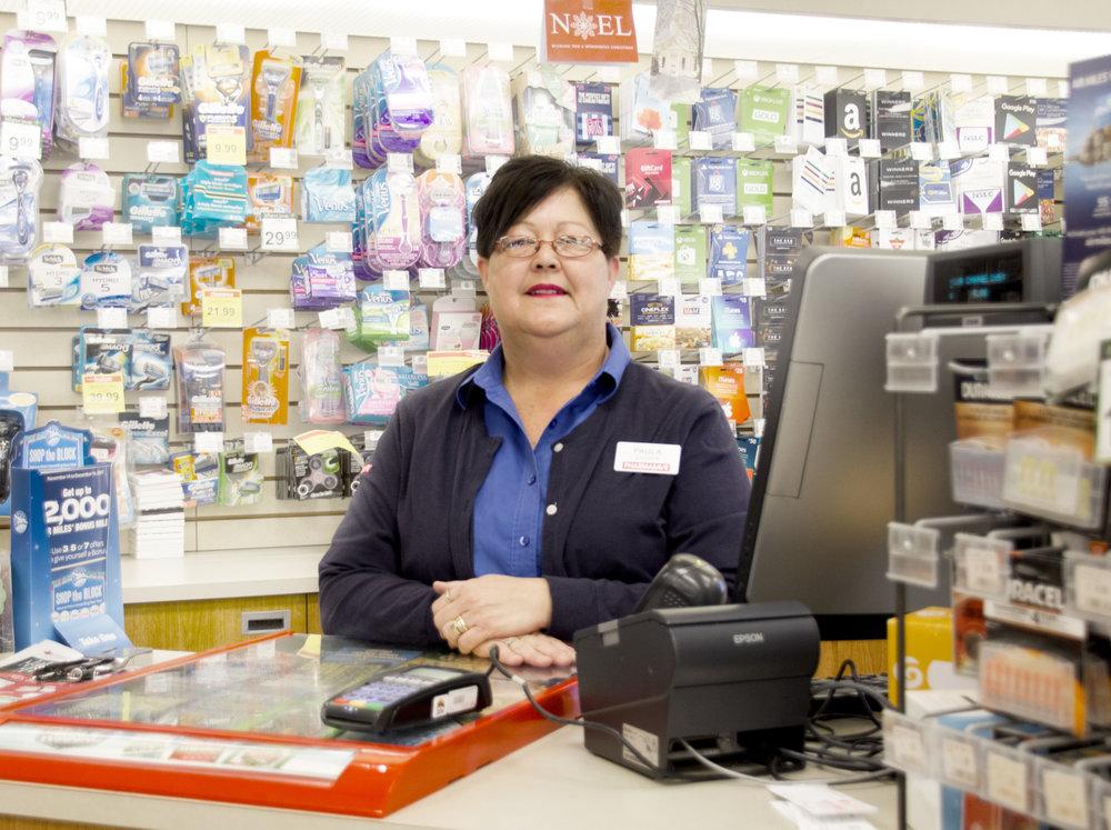 cashier2.jpg
