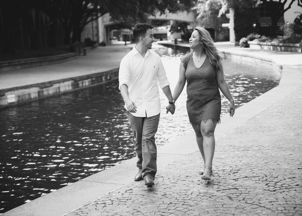 Roxxana & Zeek Engagement Shoot  (36 of 54).jpg