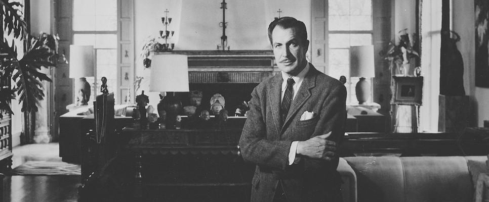 Vincent Price in his home, photo courtesy of VincentPrice.com