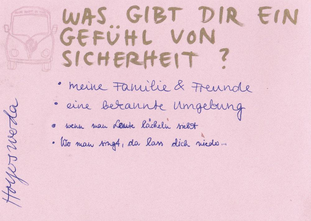 gbot-statements-hoywoy-fraukefrech_III-laecheln.jpg
