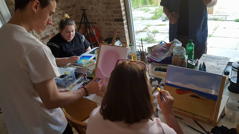 Painting at The art class at The White House