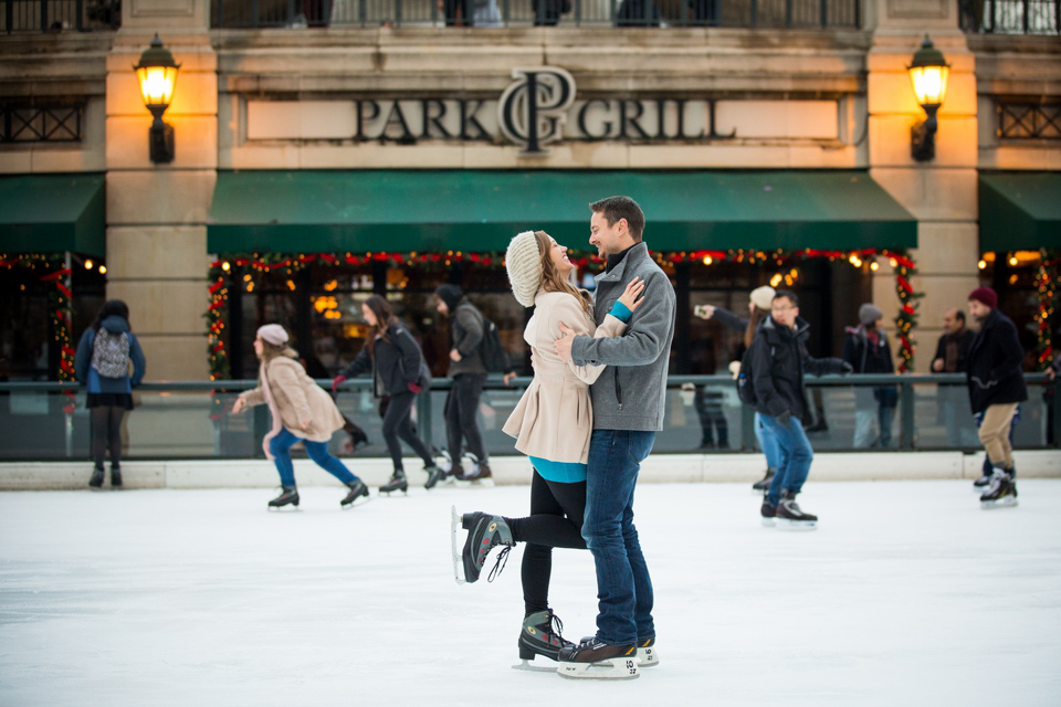 Winter_Ice_Skating_Engagement_Session_Chicago-14.jpg