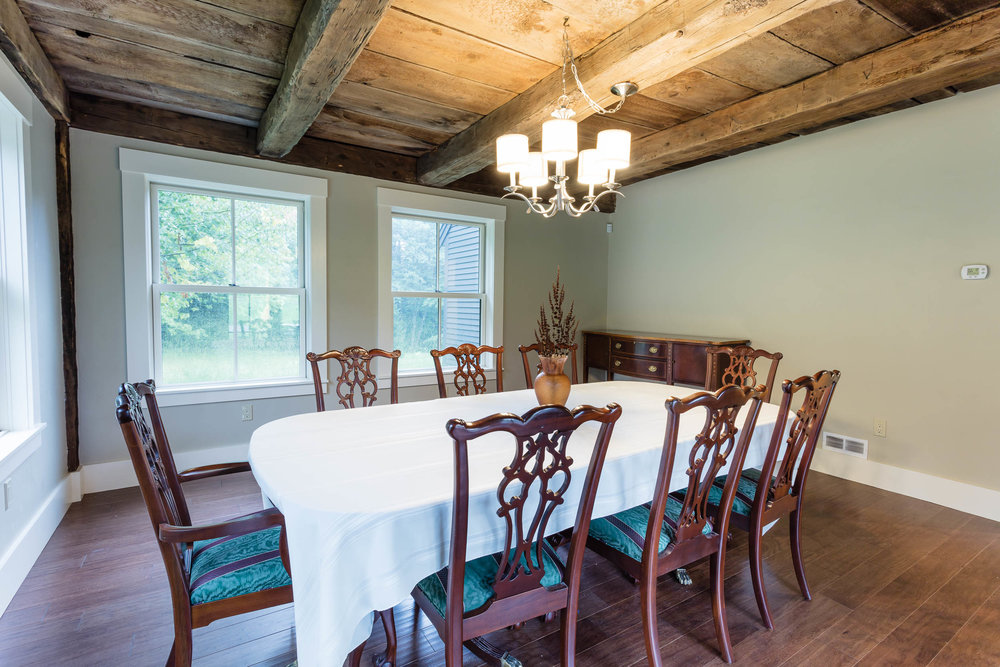 Early American Farmhouse Dining