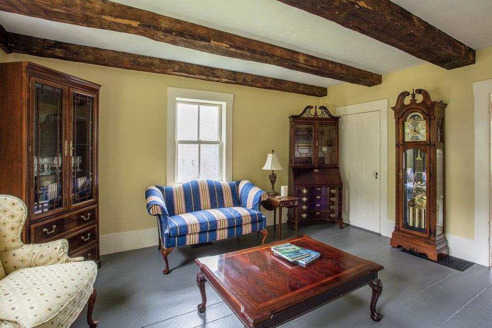 Early American Farmhouse 8