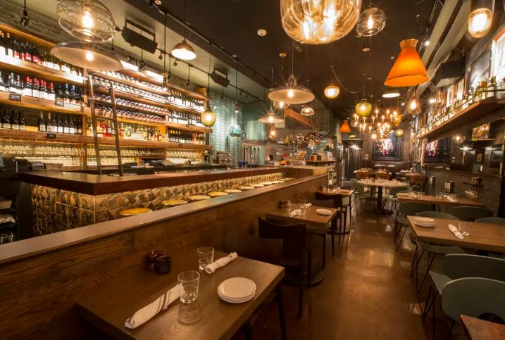 Lettuce Entertain You Opens its First Wine Bar Tonight in River North