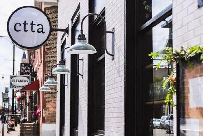 Critics Praise Etta's Open-Hearth Cuisine