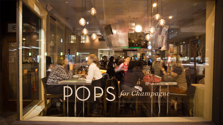 13 of Chicago's Most Epic Champagne Deals