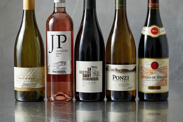 2 Oregon white wines are among these 5 picks for value buys