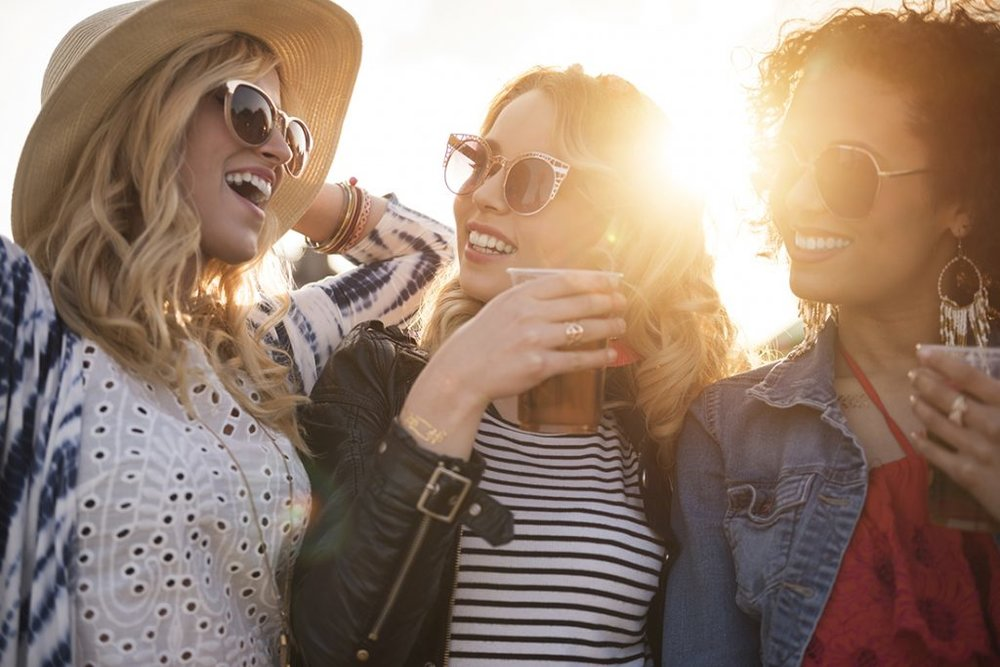 Summer-Girls-WP-1024x683.jpg