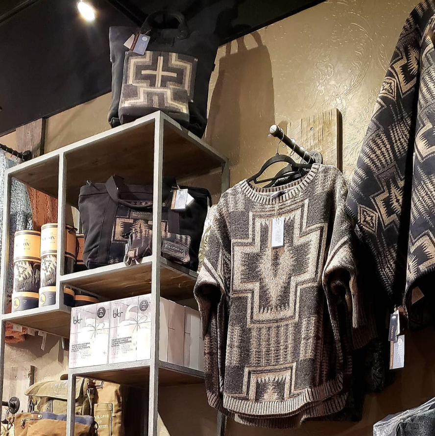 Breckenridge Boutique Opening - Maggie Pond Boutique in Breckenridge offers skincare, home accessories, and stylish clothing for your mountain adventures.. Now Open!