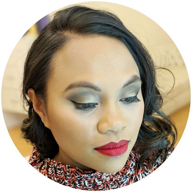 Not sure what to do with your makeup tomorow? @fabstylebyriss can help. Scroll through her feed for look on look on look. #majorinspo #makeupinspo #DSMMuaMonday