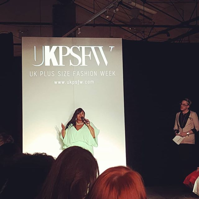 Our founder @rianne_ward  opens up last nights event with an inspiring message about body positivity. . . #BeProudBeYou #bigfashionevent #plussizefashion #plussizedesigner #style