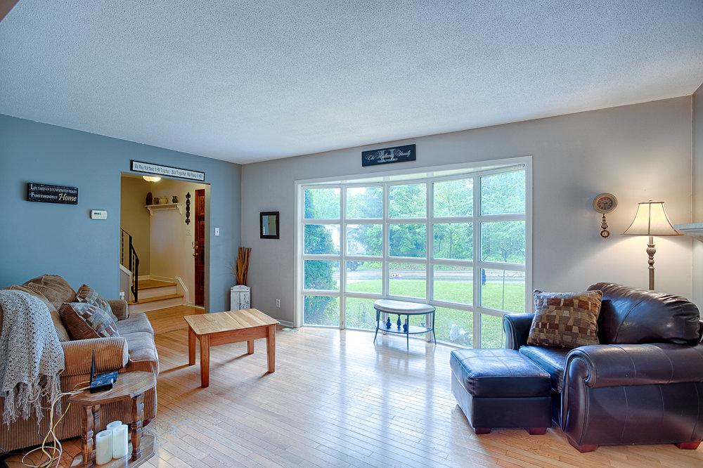 599Elizabeth-Livingroom.jpg