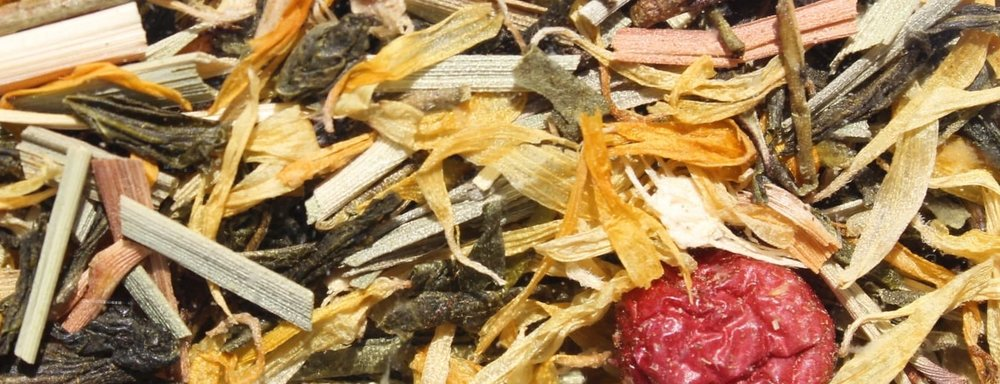 Cranberry-Ginger Organic Tea Les Thés de Caroline - Canneberge-Gingembre is a green organic loose tea with ginger and cranberry. Full of vitamin C, cranberry is an great antioxidant. Drink it chilled in summer! 10G