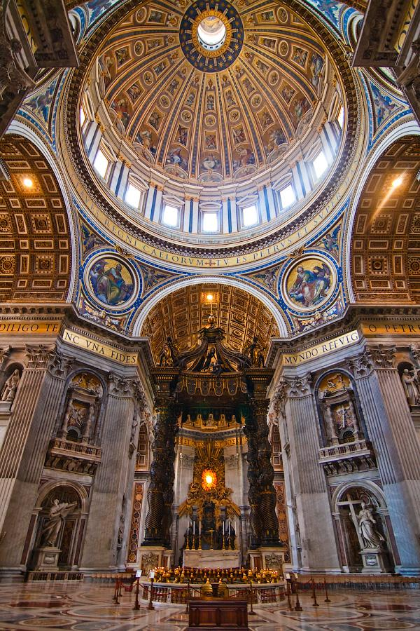 St-Peter-s-Basilica_Interior-view_7348.jpg