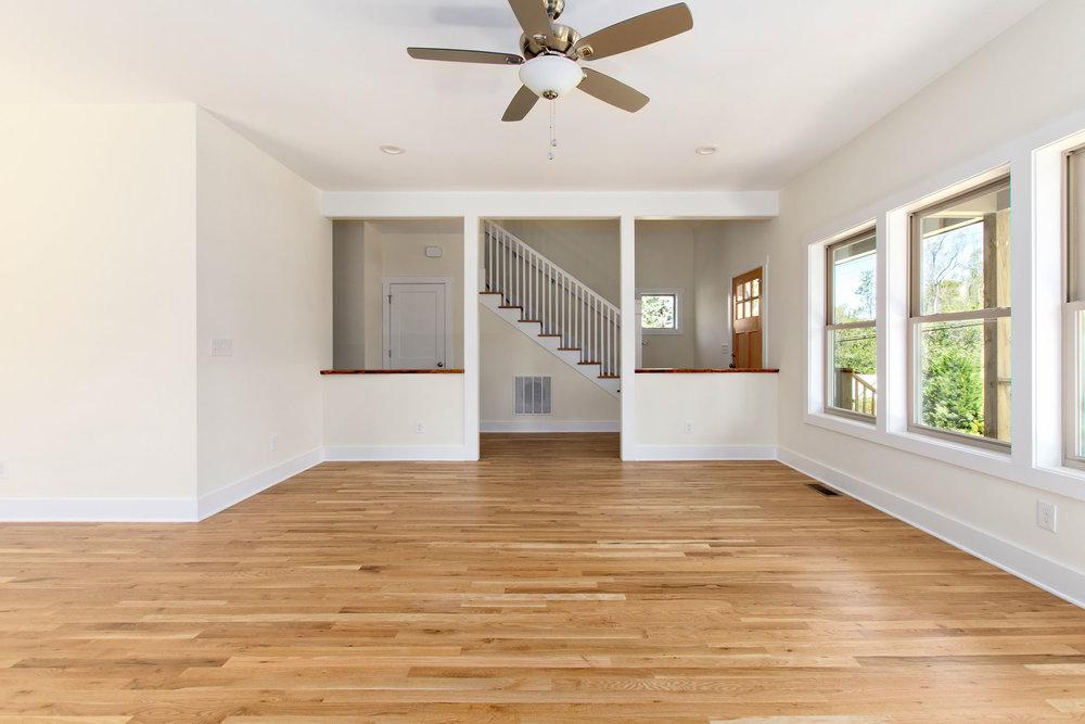 07 Foyer Entry Separate from Living Room.jpg