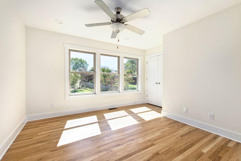 19 Middle Upstairs Bedroom.jpg