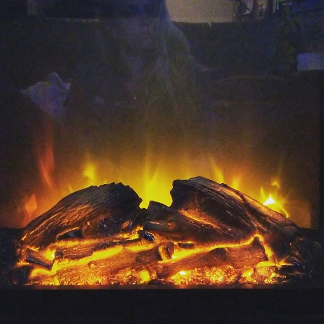 First night with my fake fire place. 🔥🔥. . . . . . . #fallvibes #fire #lit #reflection #huntressofhappy