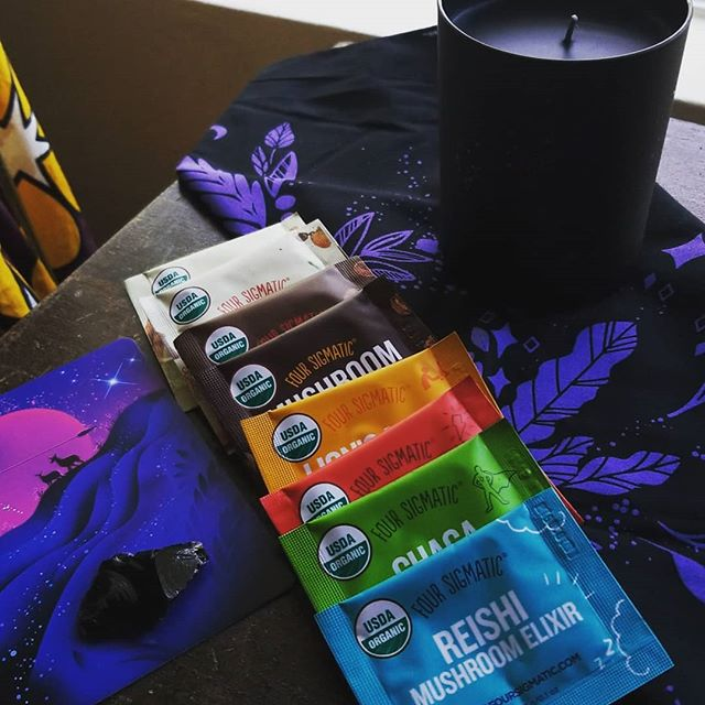 Beyond pumped to get a black candle and I'm so excited to try the @foursigmatic mushroom dranks, but I think this might be my last @mylunarly box. Anyone have a fave subscription box they'd suggest? . . . . . . #subscriptionbox #newmoon #newmoonnewme #mailedswag #mushrooms #candles #huntressofhappy #bandana #idontneedarockcollection #huntersmoon #blackobsidian