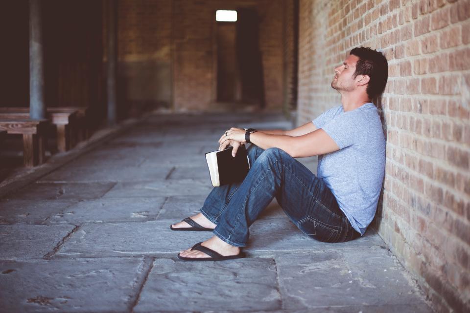 dude-praying.jpg