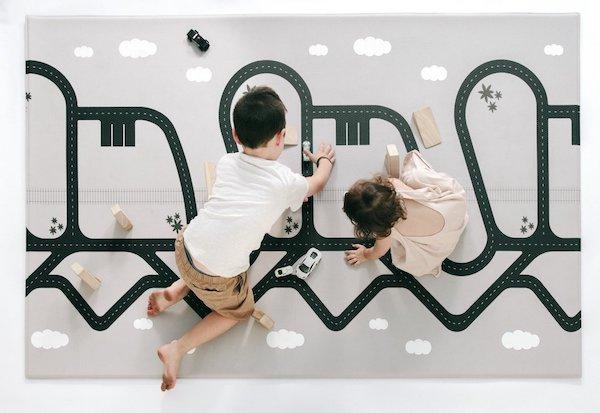fun_stylish_kids_rug_playmat_ruggish_bottom.jpg