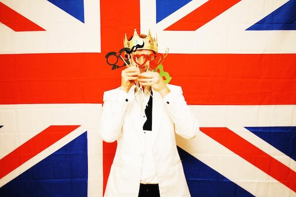 host_a_royal_wedding_party_photobooth_backdrop.JPG