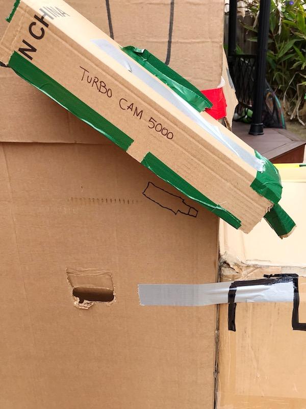 birthday_party_cardboard_forts_building.JPG