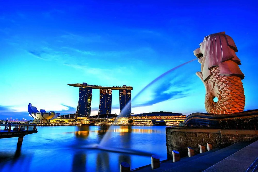 A view of Merlion Park in SIngapore at sundown.
