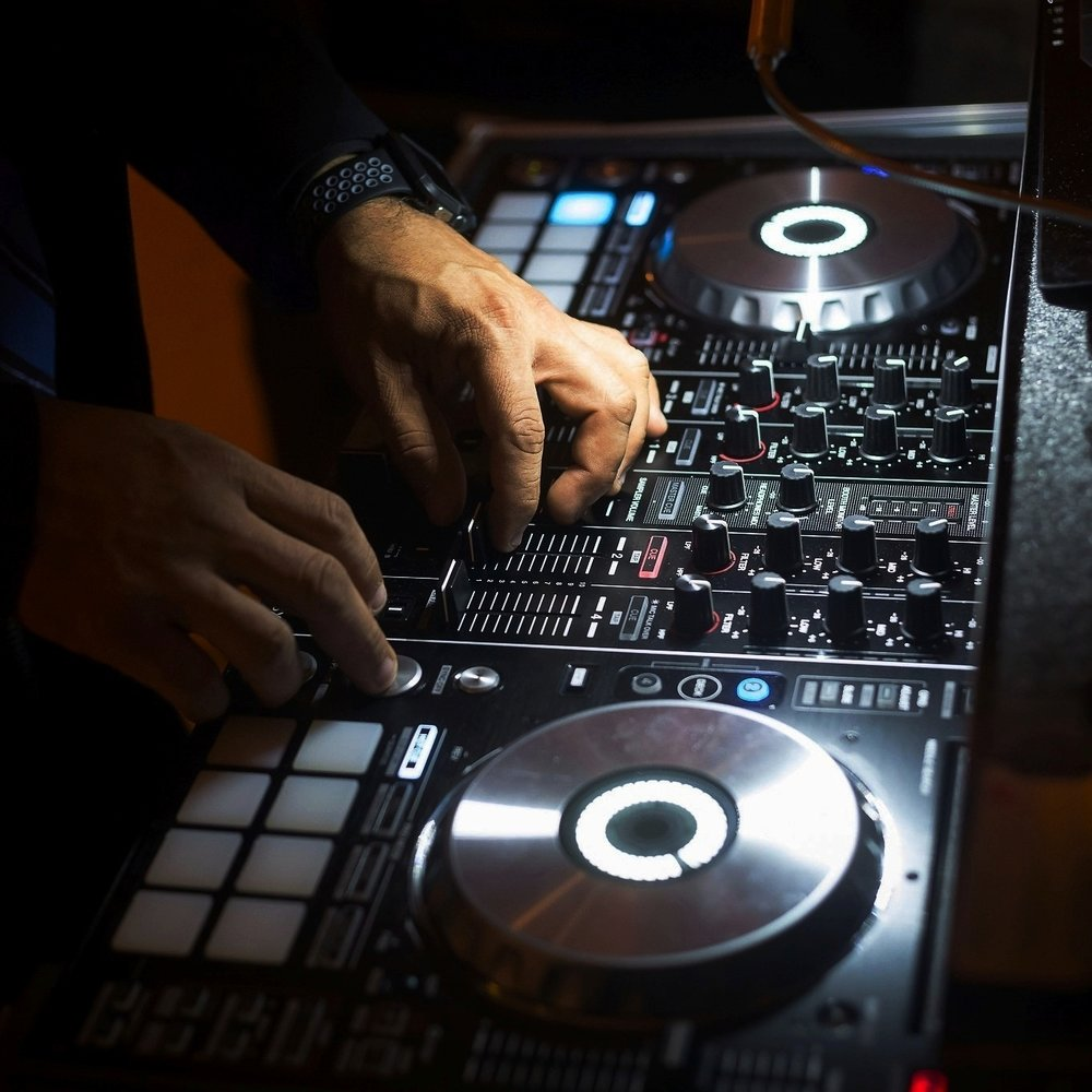 DJ MC Music -