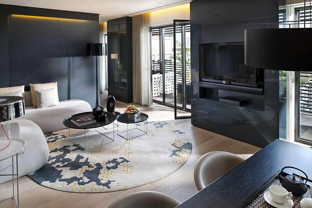 barcelona-suite-terrace-suite-living-room-1.jpeg