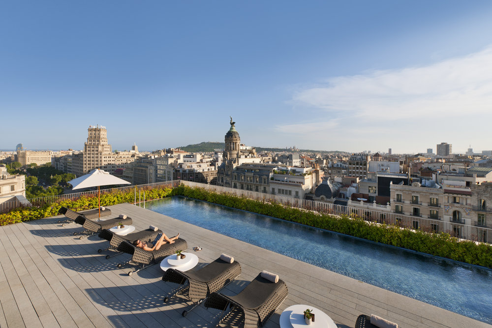 Mandarin-Oriental-Barcelona-Terrat-Rooftop-Dipping-Pool.jpg