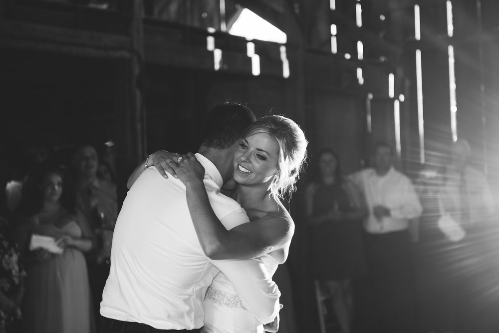 rus-farm-wedding-heald-wedding-consulting-healdsburg-hwc-first-dance-barn.jpg