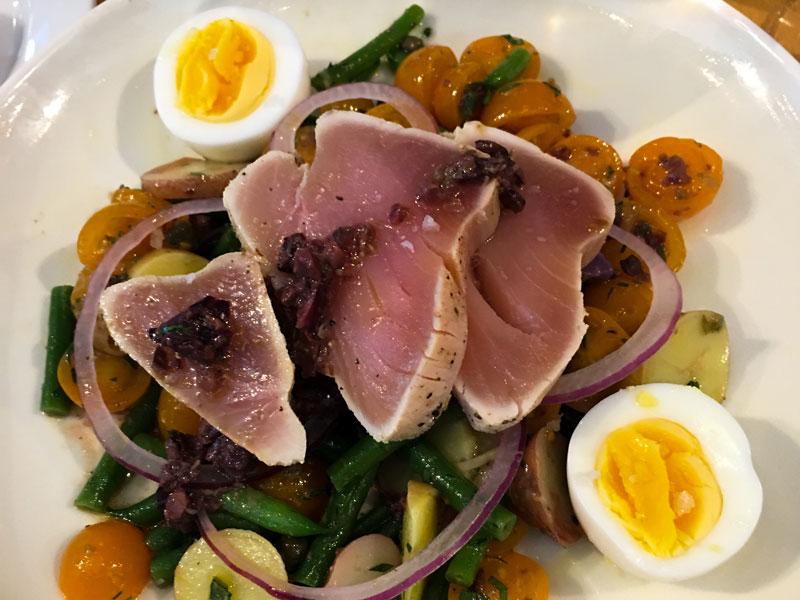 Bistro-Agnes-Salade-Nicoise.jpg