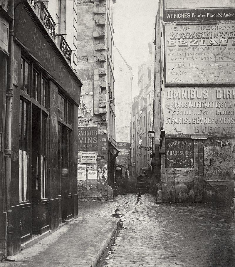 A photograph of a dirty and narrow Parisian street before the Haussmannian renovation.