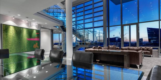 This luxury penthouse in Vancouver's Coal Harbour neighbourhood is listed at an asking price of $38 million.