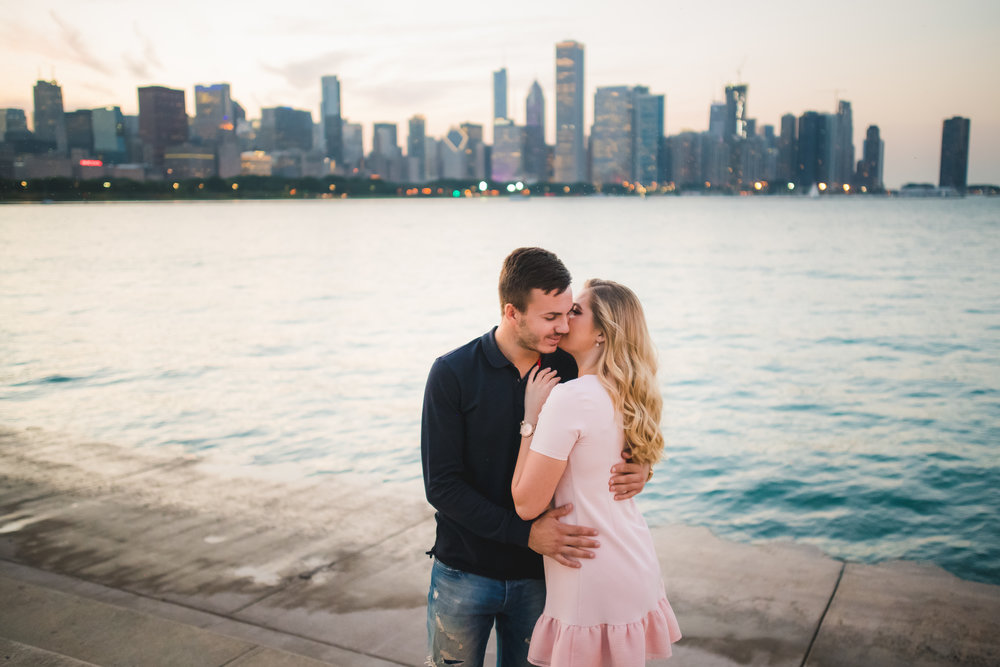 Engagement photographer in Chicago-12.jpg