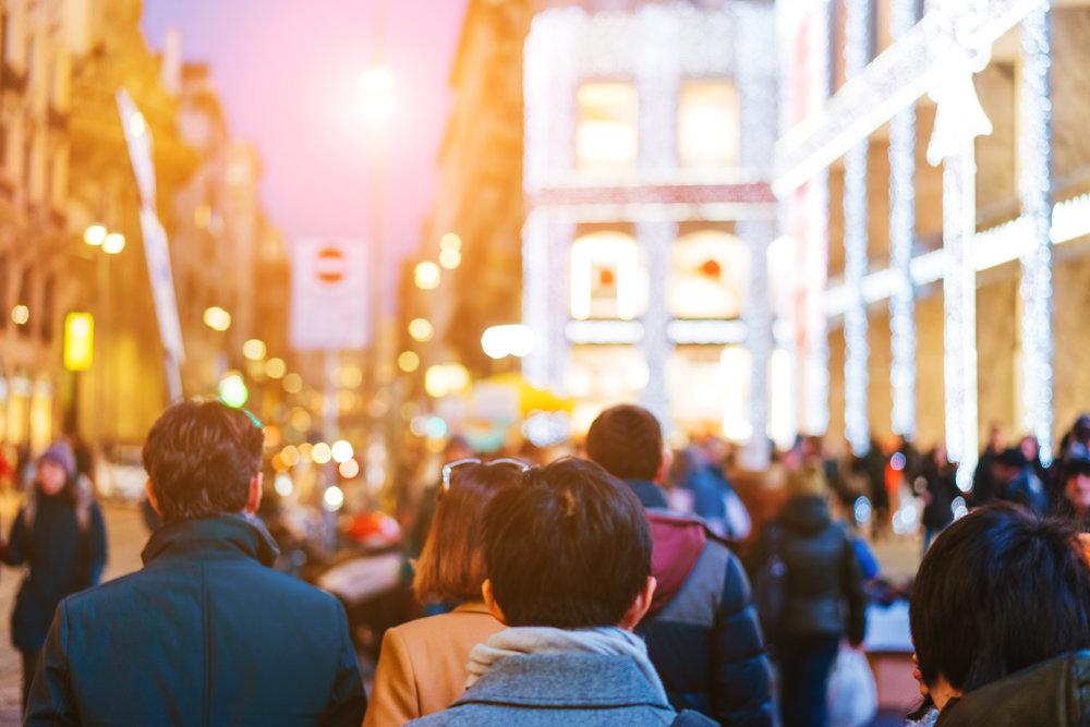 - Tuy nhiên, dựa vào 163,000 dân nhập cư mới tại Úc vào năm ngoái, lượng dân nhập cư được cấp PR dự kiến trong năm nay sẽ thấp hơn.