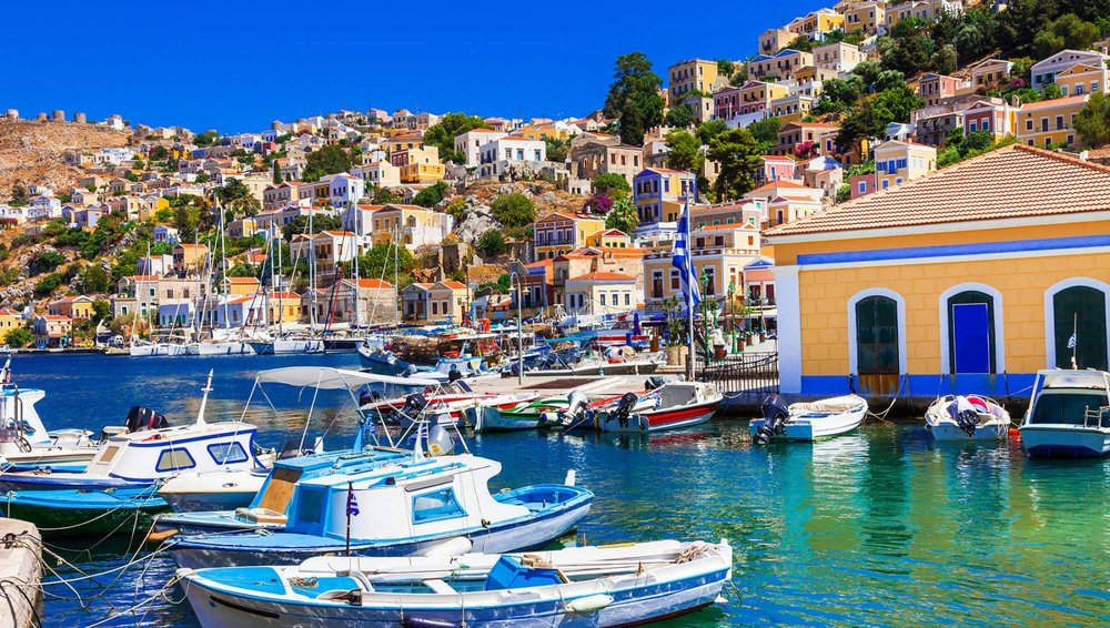 Colorful-islands-of-Greece-beautiful-Symi-in-Dodecanesse_587285348-1800x1018.jpg