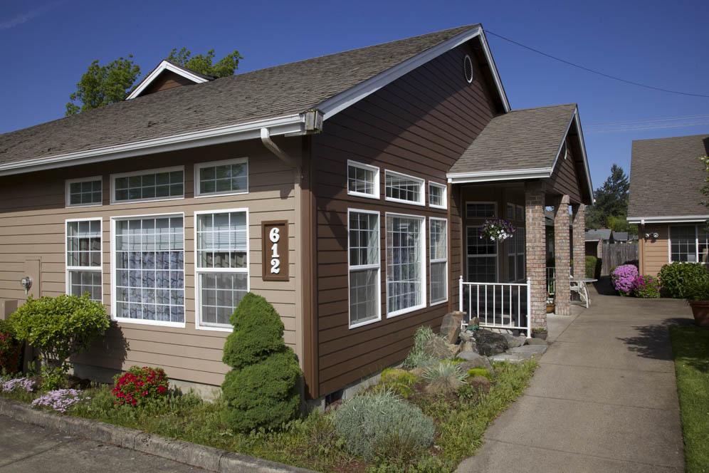 Gateway-Living-Assisted-Living-Springfield-Oregon-09.jpg