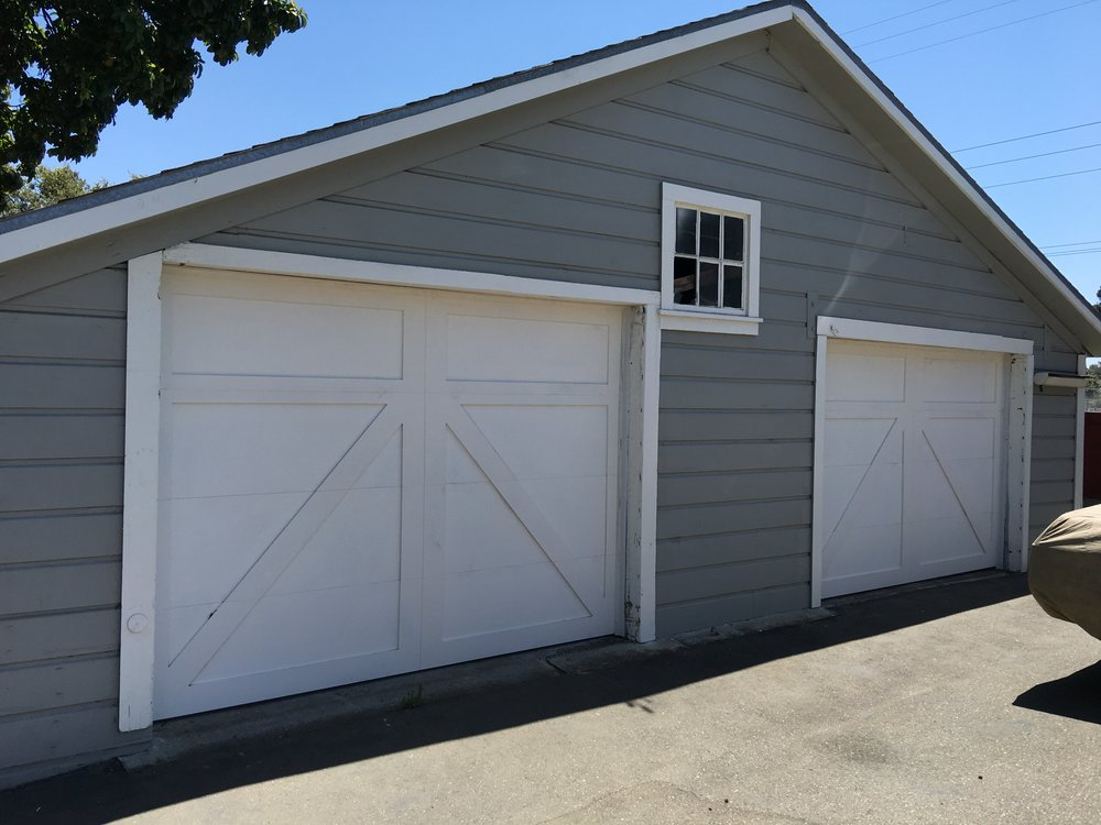 all bay garage doors - carriage house garage door - kevin chervatin - 35.JPG