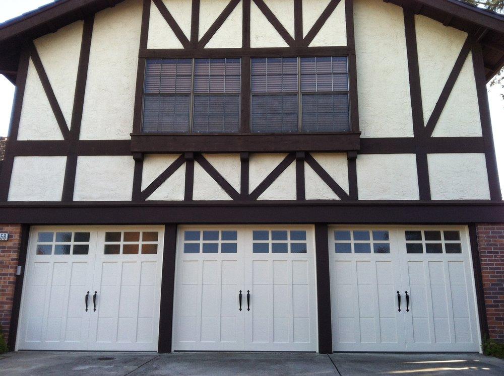 all bay garage doors - carriage house garage door - kevin chervatin - 18.JPG