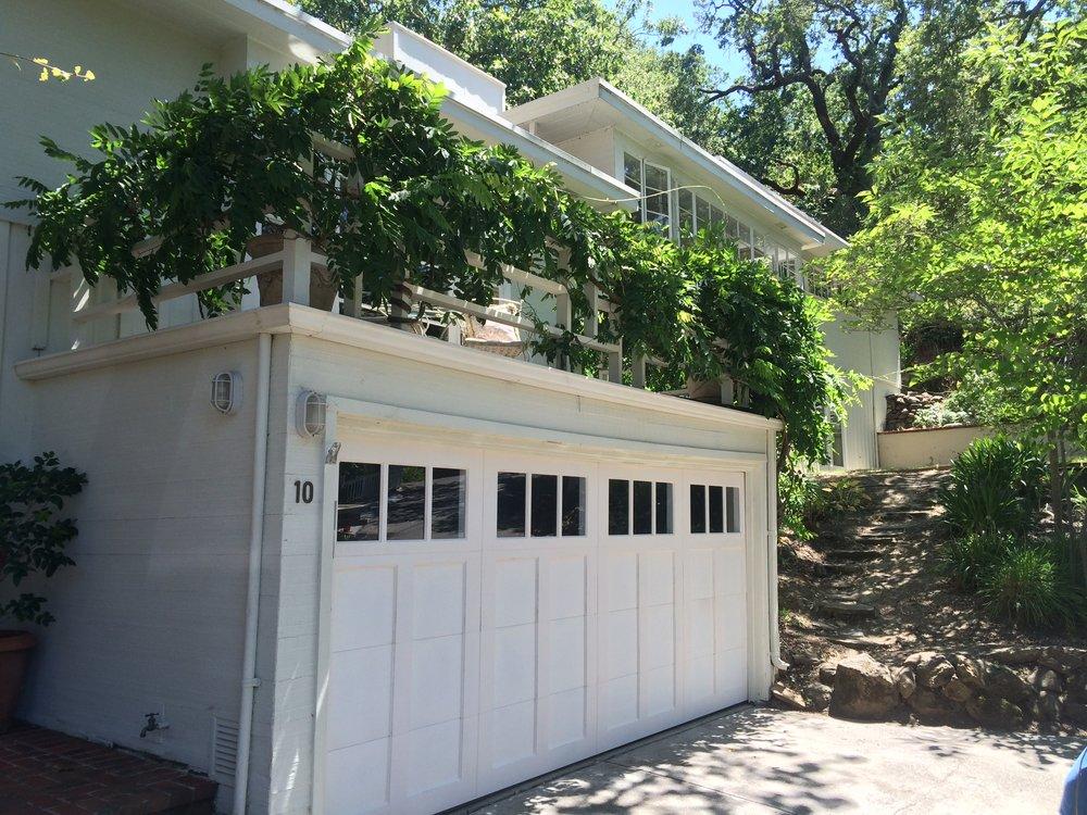 all bay garage doors - carriage house garage door - kevin chervatin - 5.JPG