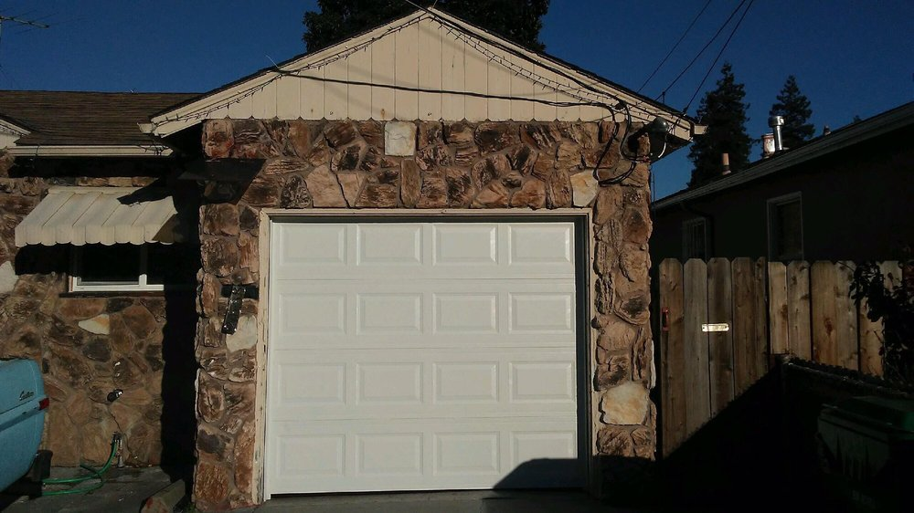 All Bay Garage Doors - Kevin Chervatin - Short Panel Amarr - 9.jpg