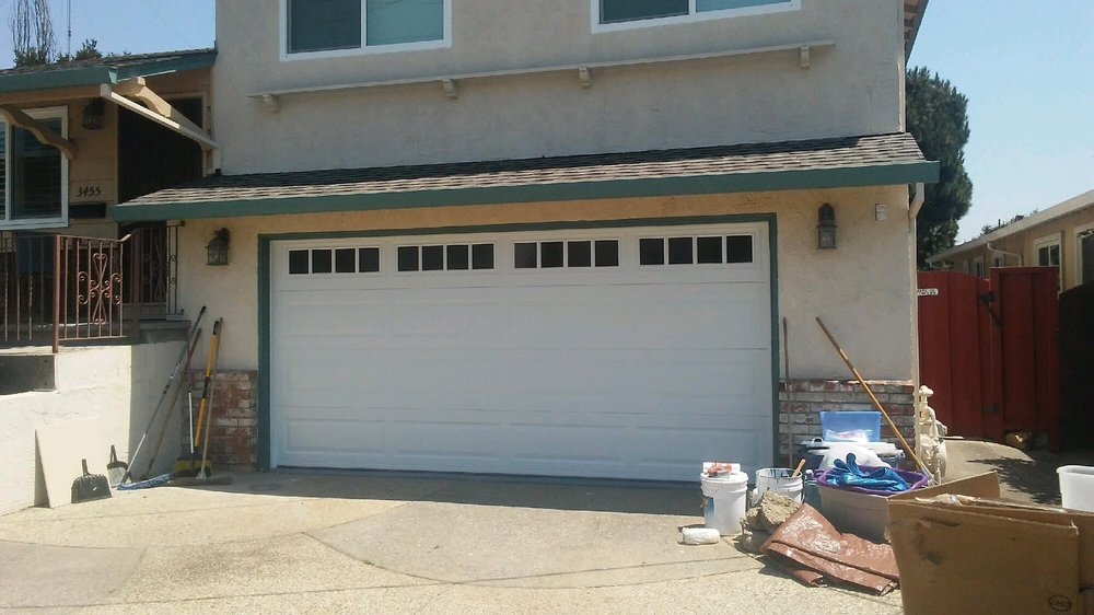 All Bay Garage Doors - Kevin Chervatin - Long Panel Steel Garage Doors - 7.jpg