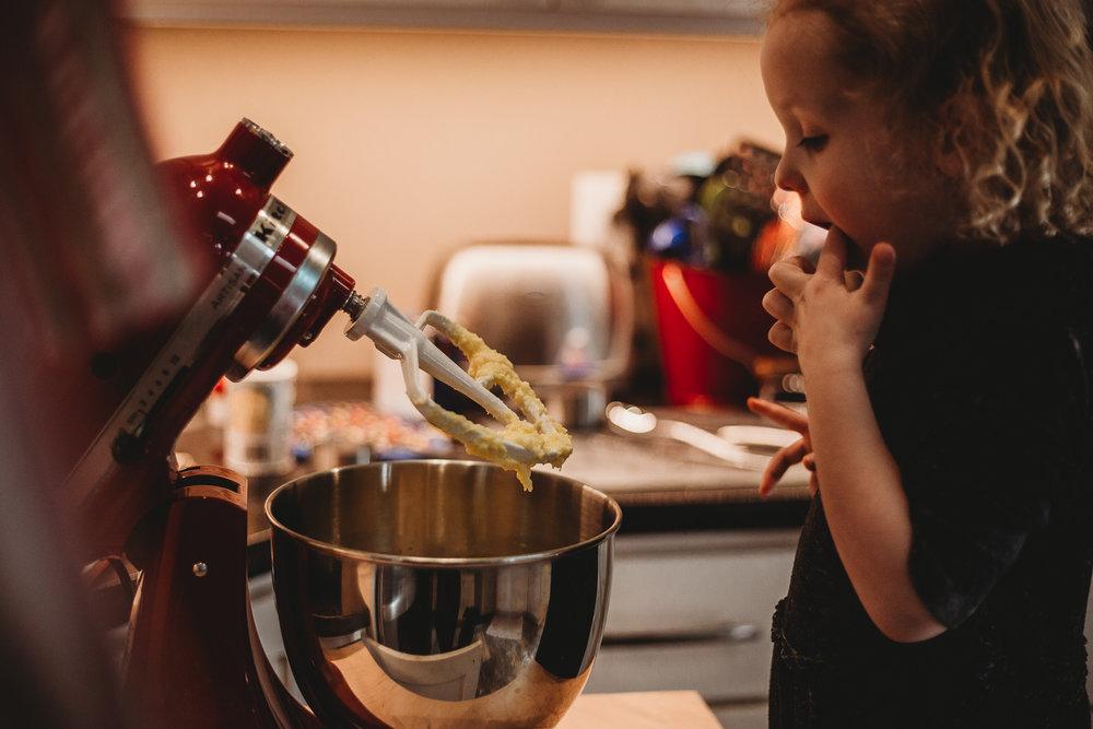 Sarah Lursen Lifestyle Documentary Shoot Cookie Baking Cedar Falls Iowa Made Beloved Photography